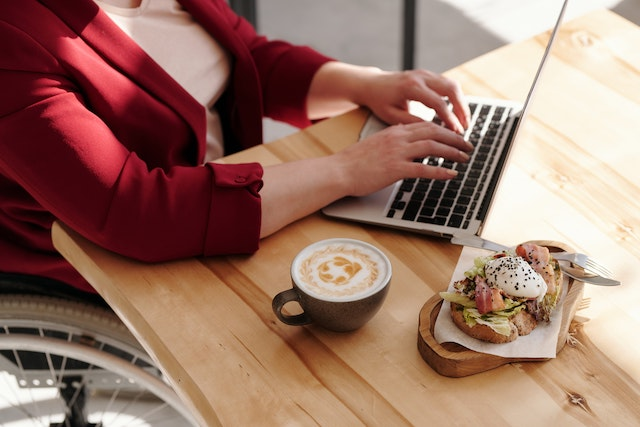 How to Maintain Healthy Eating Habits Going Back to the Office